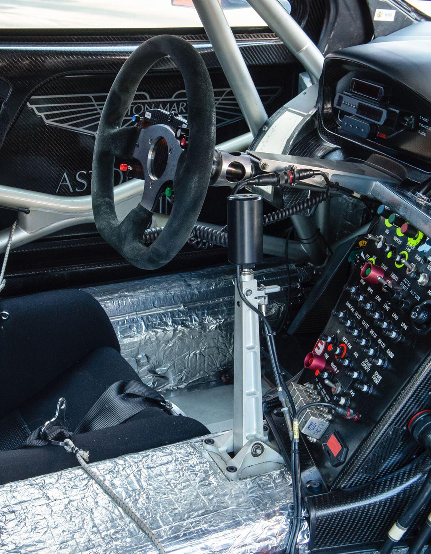 Aston Martin Dbr9 007 Rofgo